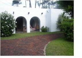 Punta del Este, Maldonado, Uruguay, 3 Bedrooms Bedrooms, ,2 BathroomsBathrooms,Casas,Venta,42089
