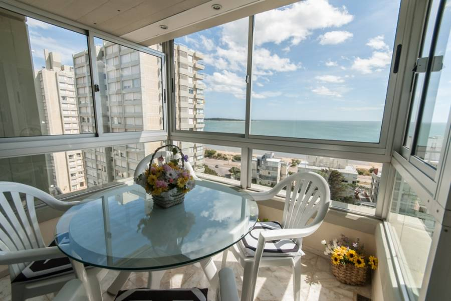 Punta del Este, Maldonado, Uruguay, 3 Bedrooms Bedrooms, ,2 BathroomsBathrooms,Apartamentos,Venta,42090