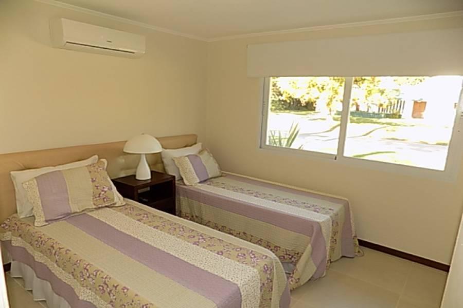 Punta del Este, Maldonado, Uruguay, 4 Bedrooms Bedrooms, ,3 BathroomsBathrooms,Casas,Venta,42138
