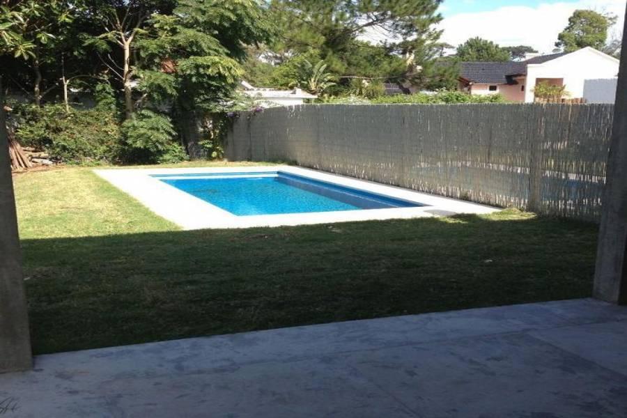 Punta del Este, Maldonado, Uruguay, 4 Bedrooms Bedrooms, ,3 BathroomsBathrooms,Casas,Venta,42152