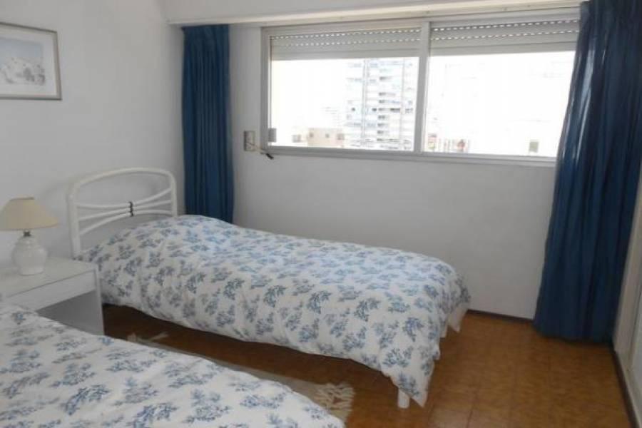 Punta del Este, Maldonado, Uruguay, 3 Bedrooms Bedrooms, ,1 BañoBathrooms,Apartamentos,Venta,42182