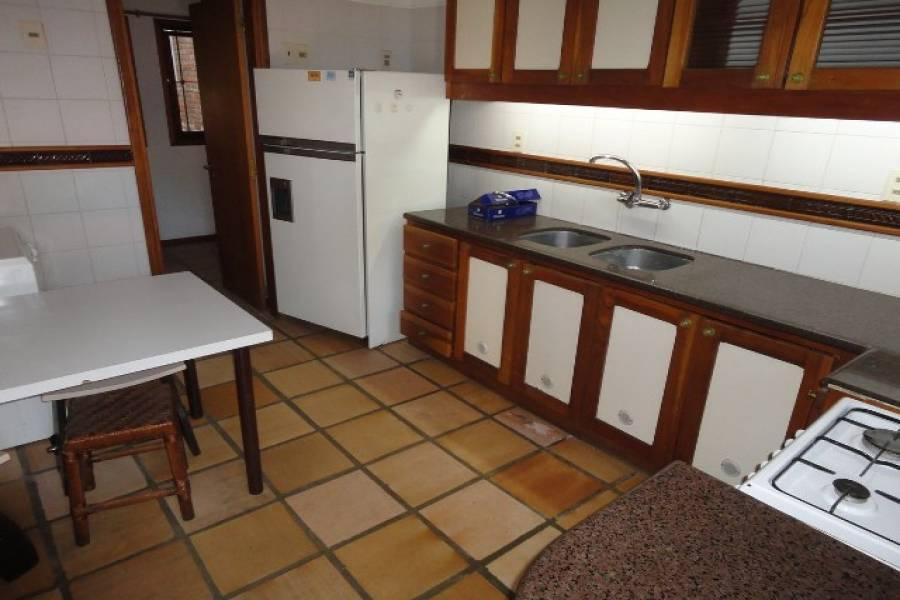 Punta del Este, Maldonado, Uruguay, 3 Bedrooms Bedrooms, ,2 BathroomsBathrooms,Casas,Venta,42184