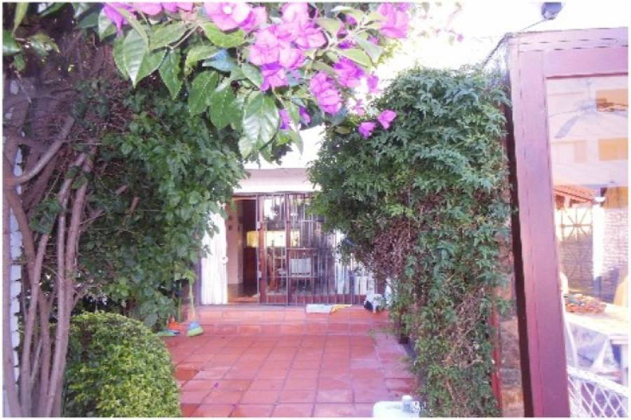 Punta del Este, Maldonado, Uruguay, 4 Bedrooms Bedrooms, ,3 BathroomsBathrooms,Casas,Venta,42188