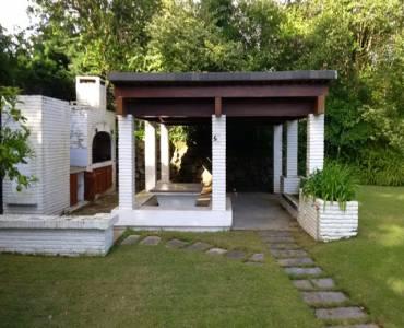 Punta del Este, Maldonado, Uruguay, 3 Bedrooms Bedrooms, ,3 BathroomsBathrooms,Casas,Venta,42198