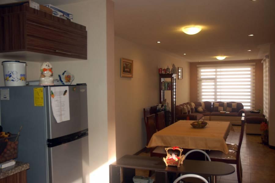 Cuenca, AZUAY, Ecuador, 3 Habitaciones Habitaciones, ,2 BathroomsBathrooms,Casas,Venta,2,42404