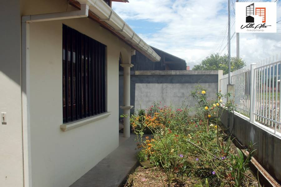 Sucua, MORONA SANTIAGO, Ecuador, 3 Habitaciones Habitaciones, ,2 BathroomsBathrooms,Casas,Venta,2,42414