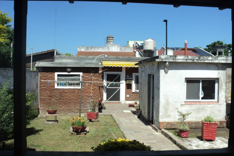 Villa Lugano,Capital Federal,Argentina,2 Bedrooms Bedrooms,2 BathroomsBathrooms,Casas,Cosquín ,1384