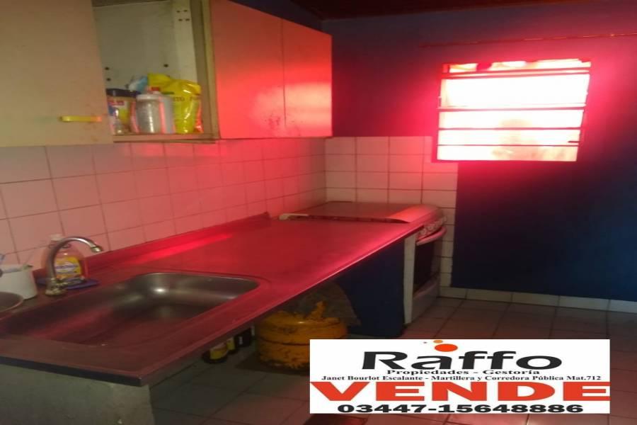 Colon, Entre Ríos, Argentina, 2 Habitaciones Habitaciones, ,1 BañoBathrooms,Casas,Venta,Bv Gaillard ,42744