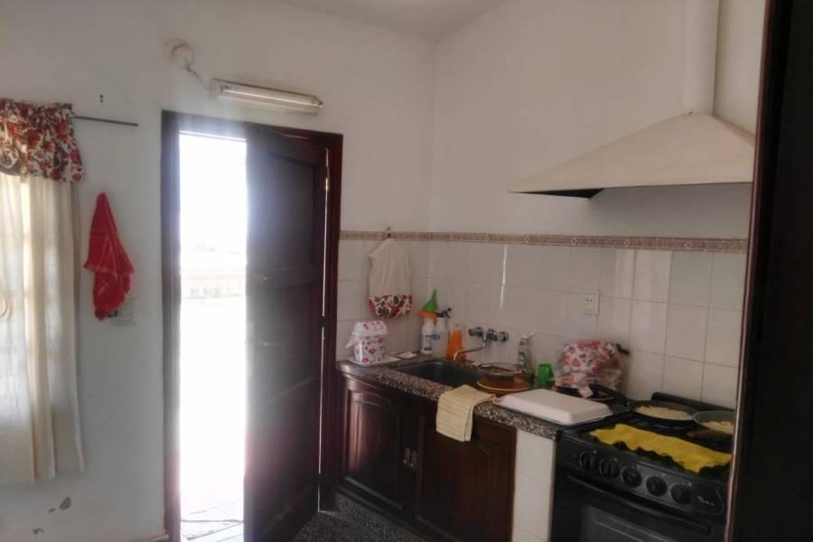 IMPERDIBLE! VER INFO..., 2 Habitaciones Habitaciones, ,1 BañoBathrooms,Casas,Venta,1,42747