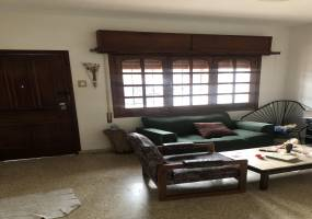 Rosario, Santa Fe, Argentina, 3 Habitaciones Habitaciones, ,1 BañoBathrooms,Casas,Venta,SAN LUIS,42779