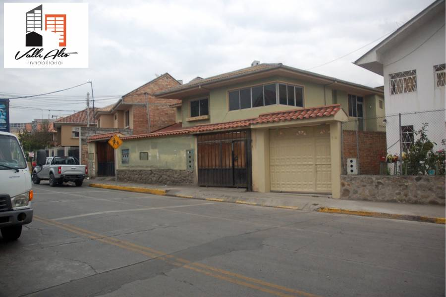 Cuenca, AZUAY, Ecuador, 9 Habitaciones Habitaciones, ,4 BathroomsBathrooms,Casas,Venta,General Escandon,2,42809