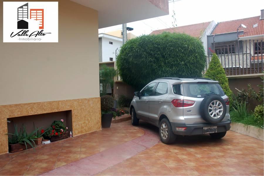 Cuenca, AZUAY, Ecuador, 5 Habitaciones Habitaciones, ,5 BathroomsBathrooms,Casas,Venta,Calle Telemaco,3,42831