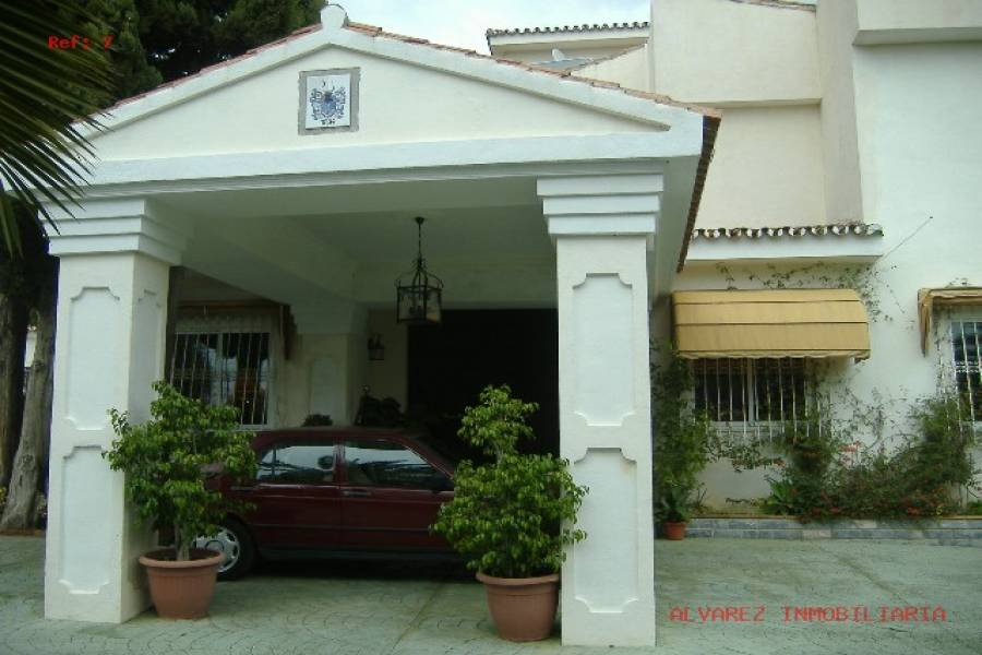 Málaga,Málaga,España,7 Bedrooms Bedrooms,5 BathroomsBathrooms,Fincas-Villas,4862