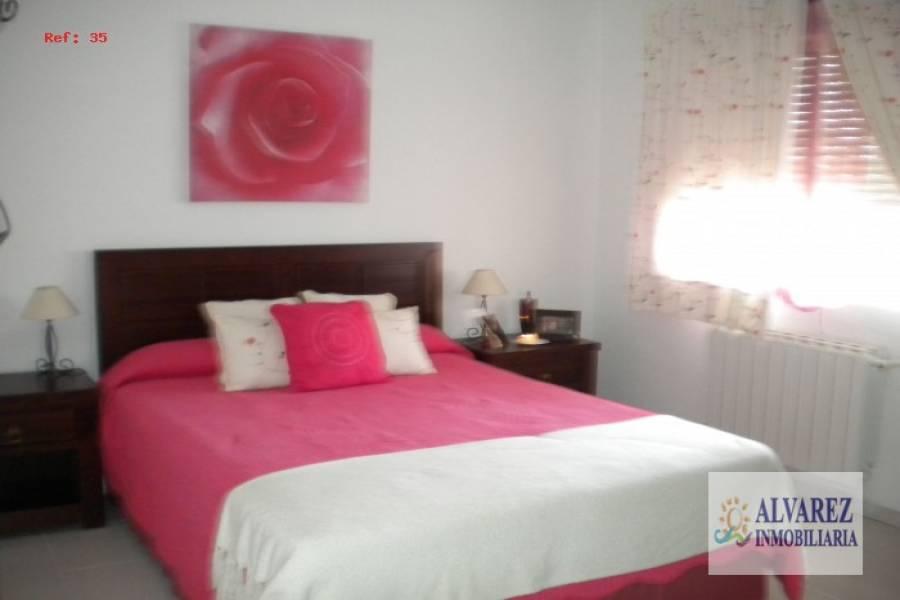 Benajarafe,Málaga,España,4 Bedrooms Bedrooms,2 BathroomsBathrooms,Chalets,4863