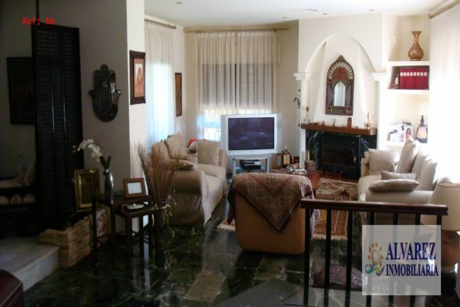 Málaga,Málaga,España,6 Bedrooms Bedrooms,3 BathroomsBathrooms,Fincas-Villas,4867