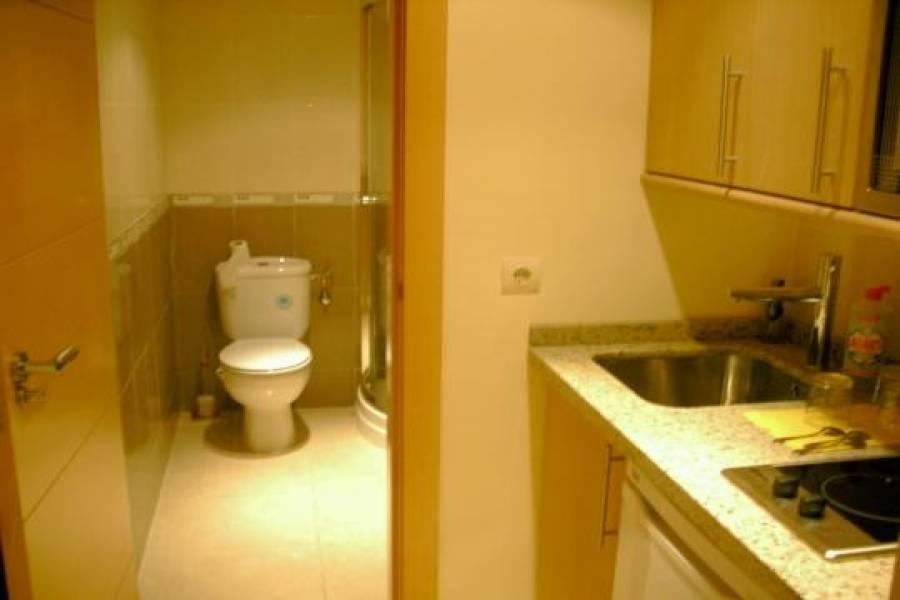 Torremolinos,Málaga,España,3 Bedrooms Bedrooms,1 BañoBathrooms,Oficinas,4881