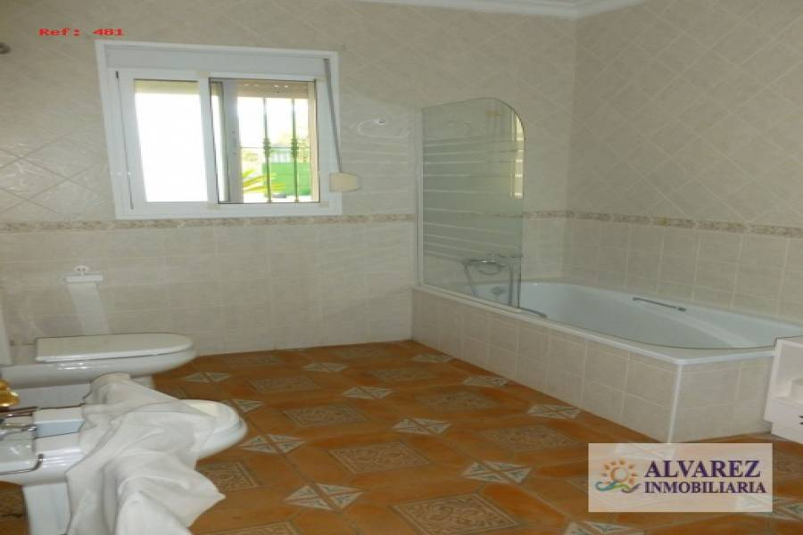 Alhaurín de la Torre,Málaga,España,5 Bedrooms Bedrooms,4 BathroomsBathrooms,Fincas-Villas,4922