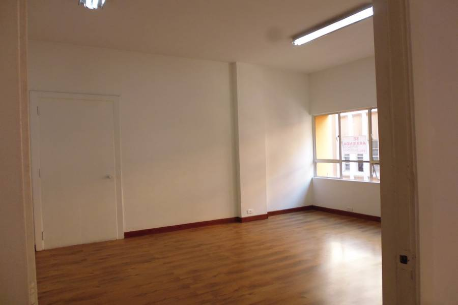 Cali,Valle del Cauca,Colombia,2 Rooms Rooms,1 BañoBathrooms,Oficinas,Zaccour,3,3,4938