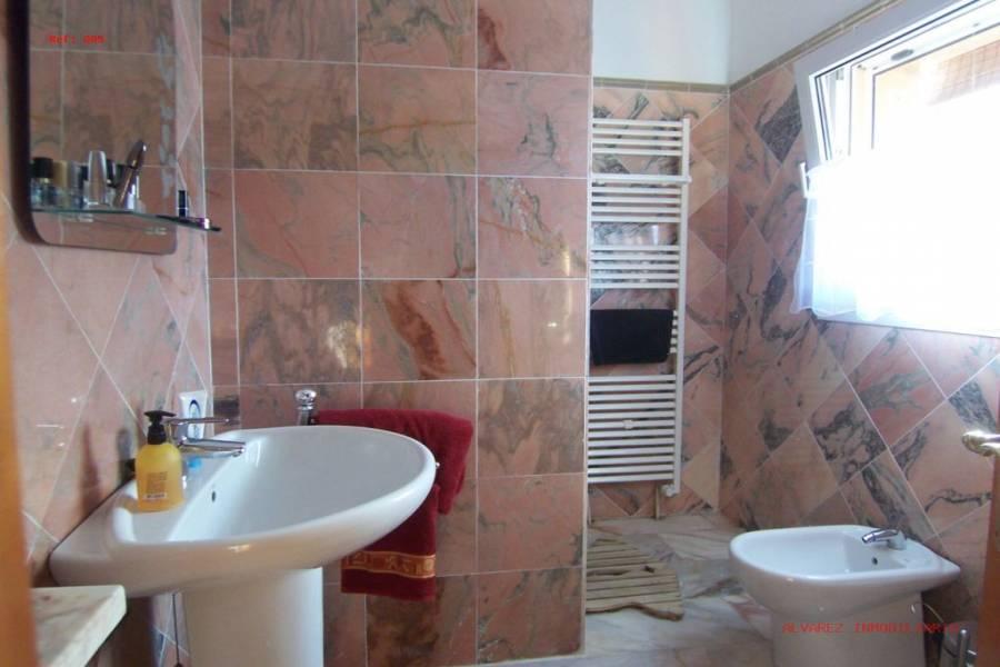 Alhaurín el Grande,Málaga,España,6 Bedrooms Bedrooms,5 BathroomsBathrooms,Fincas,4981