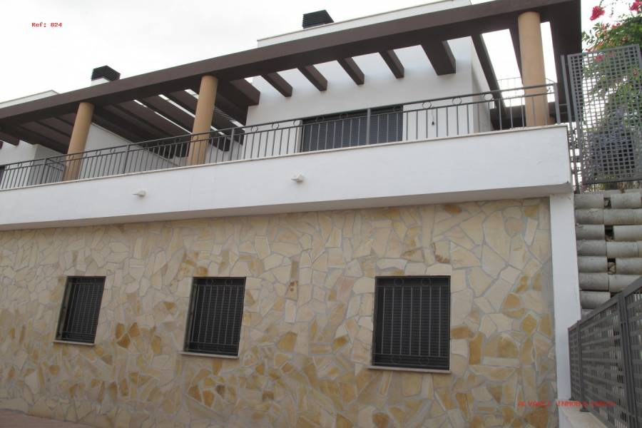 Fuengirola,Málaga,España,3 Bedrooms Bedrooms,3 BathroomsBathrooms,Fincas-Villas,4984