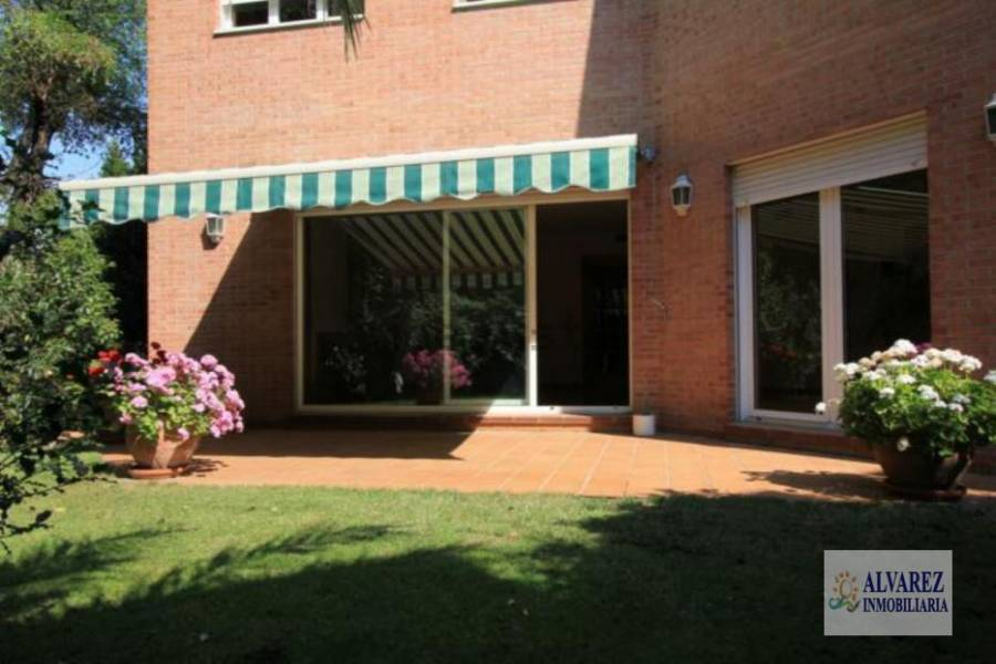 Madrid,Madrid,España,6 Bedrooms Bedrooms,4 BathroomsBathrooms,Chalets,5019