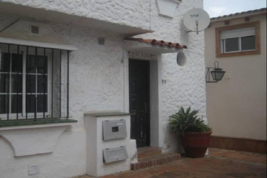 Marbella,Málaga,España,3 Bedrooms Bedrooms,1 BañoBathrooms,Chalets,5055