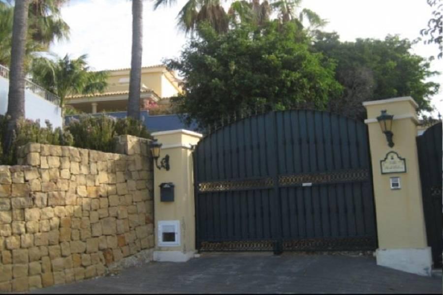 Marbella,Málaga,España,3 Bedrooms Bedrooms,2 BathroomsBathrooms,Chalets,5057