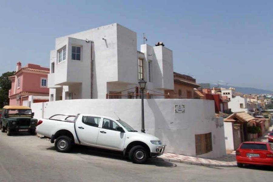 Estepona,Málaga,España,2 Bedrooms Bedrooms,2 BathroomsBathrooms,Chalets,5059