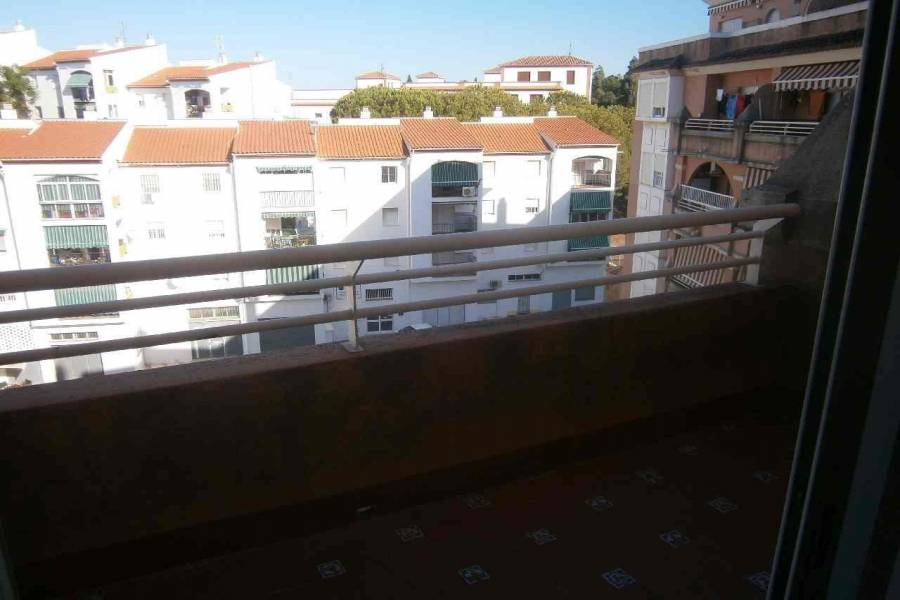 Estepona,Málaga,España,3 Bedrooms Bedrooms,2 BathroomsBathrooms,Apartamentos,5150