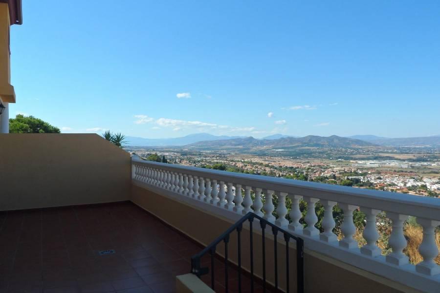 Alhaurín de la Torre,Málaga,España,4 Bedrooms Bedrooms,2 BathroomsBathrooms,Chalets,5162