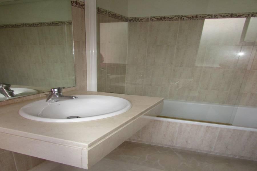 Marbella,Málaga,España,3 Bedrooms Bedrooms,2 BathroomsBathrooms,Apartamentos,5177