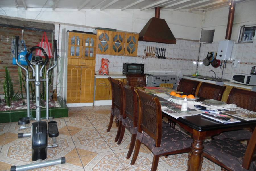 IMPERDIBLE! VER INFO...,2 Bedrooms Bedrooms,1 BañoBathrooms,Casas,chuzmisa,5301
