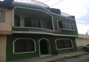 Cali,Valle del Cauca,Colombia,4 Bedrooms Bedrooms,3 BathroomsBathrooms,Casas,CARRERA 33B ,3,5369