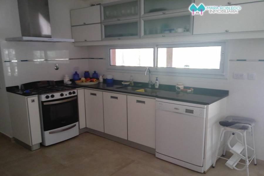Costa Esmeralda,Buenos Aires,Argentina,4 Bedrooms Bedrooms,3 BathroomsBathrooms,Casas,GOLF 2 462,5517