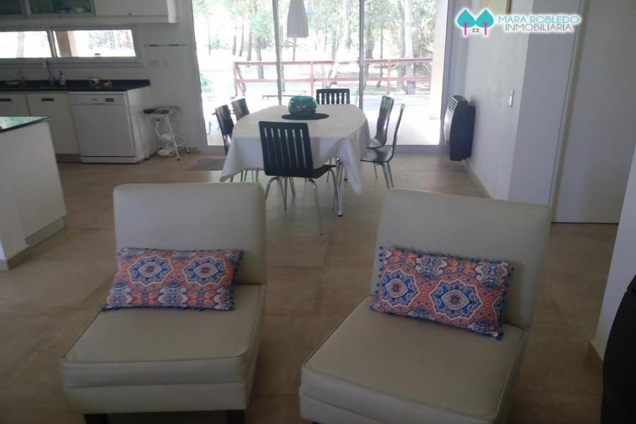 Costa Esmeralda,Buenos Aires,Argentina,4 Bedrooms Bedrooms,3 BathroomsBathrooms,Casas,GOLF 2 462,5517