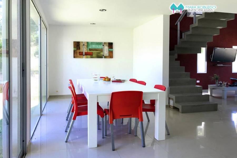 Costa Esmeralda,Buenos Aires,Argentina,4 Bedrooms Bedrooms,3 BathroomsBathrooms,Casas,GOLF 2 LOTE 370,5531