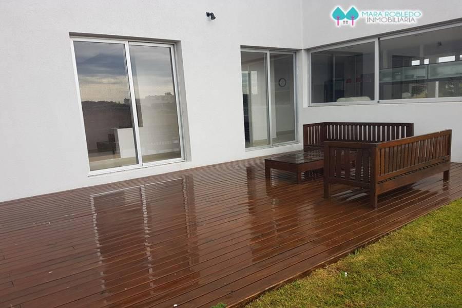 Costa Esmeralda,Buenos Aires,Argentina,5 Bedrooms Bedrooms,4 BathroomsBathrooms,Casas,GOLF 2 LOTE 523,5536