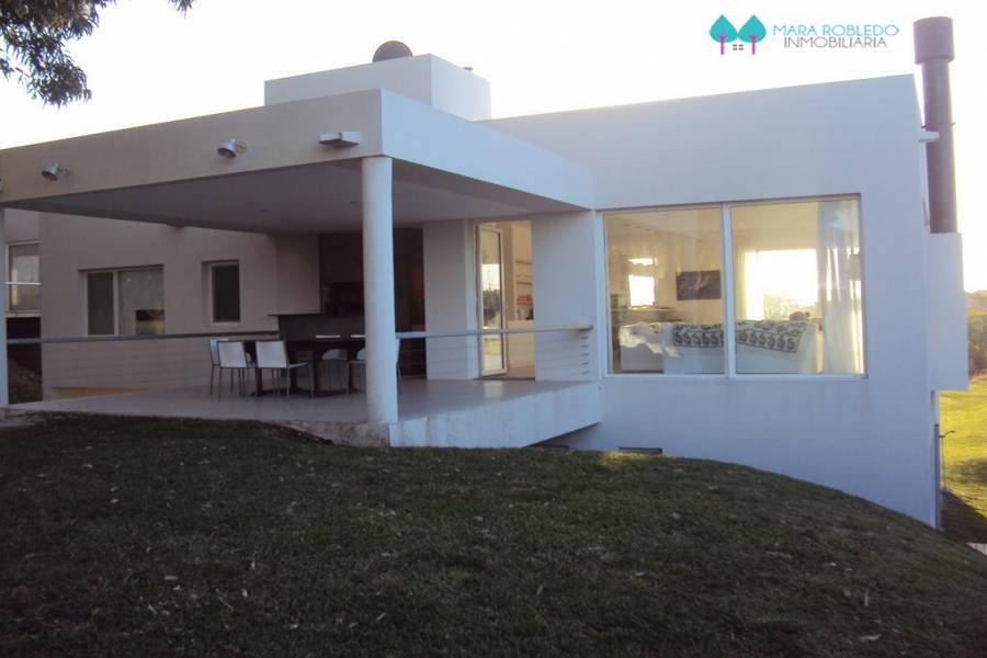 Costa Esmeralda,Buenos Aires,Argentina,4 Bedrooms Bedrooms,4 BathroomsBathrooms,Casas,GOLF 2 LOTE 578,5539
