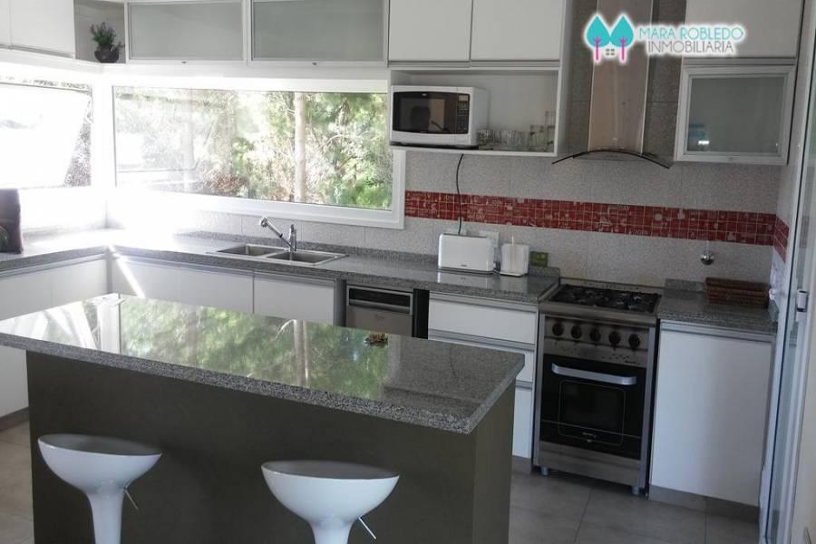 Costa Esmeralda,Buenos Aires,Argentina,4 Bedrooms Bedrooms,3 BathroomsBathrooms,Casas,RESIDENCIAL 1 LOTE 212,5556
