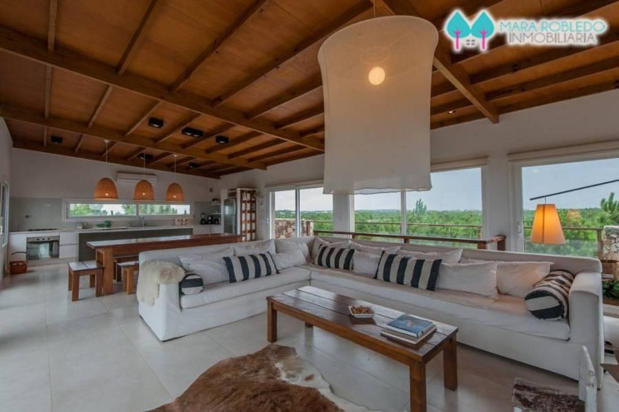 Costa Esmeralda,Buenos Aires,Argentina,6 Bedrooms Bedrooms,4 BathroomsBathrooms,Casas,RESIDENCIAL 1 LOTE 50,5569