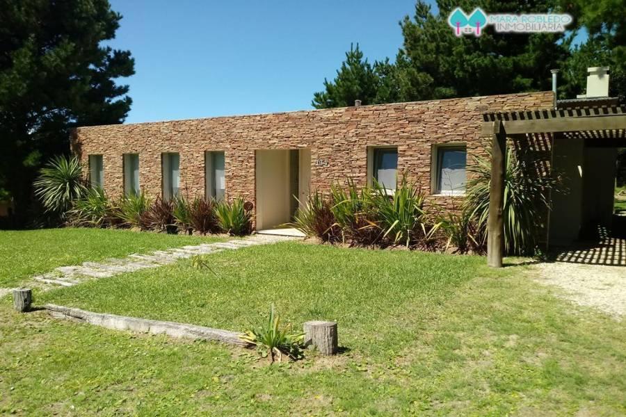 Costa Esmeralda,Buenos Aires,Argentina,4 Bedrooms Bedrooms,3 BathroomsBathrooms,Casas,SENDEROS 1 LOTE 124,5597