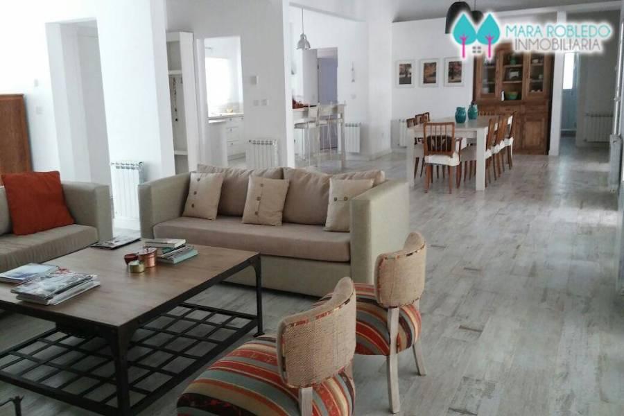 Costa Esmeralda,Buenos Aires,Argentina,4 Bedrooms Bedrooms,4 BathroomsBathrooms,Casas,SENDEROS 1 LOTE 65,5603