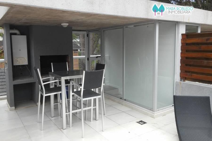 Carilo,Buenos Aires,Argentina,2 Bedrooms Bedrooms,2 BathroomsBathrooms,Casas,CASTAÑO 196,5613