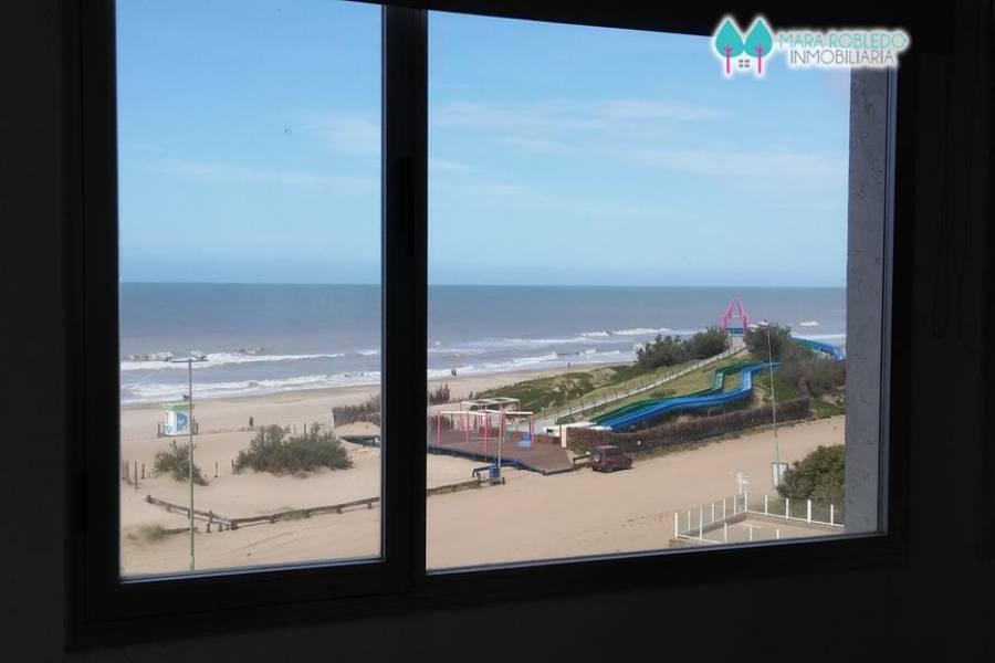 Pinamar,Buenos Aires,Argentina,2 Bedrooms Bedrooms,1 BañoBathrooms,Apartamentos,ALMEJAS 20 - 3°PISO,5618