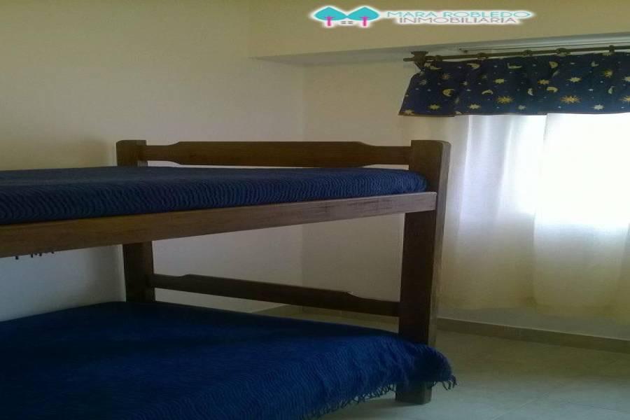 Pinamar,Buenos Aires,Argentina,2 Bedrooms Bedrooms,2 BathroomsBathrooms,Apartamentos,AV BUNGE 759 1° F,5625