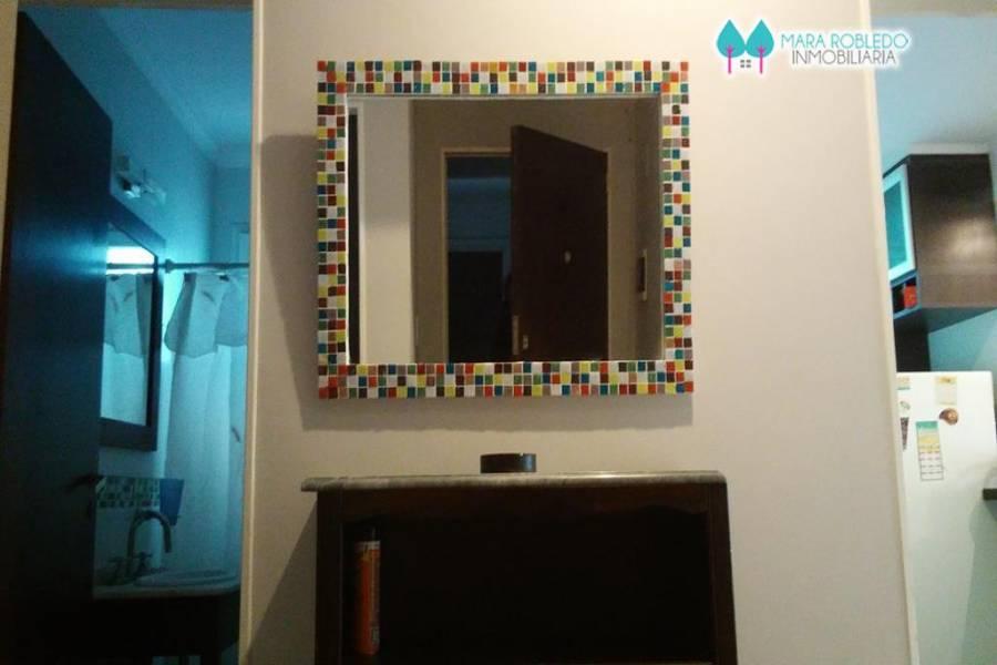 Pinamar,Buenos Aires,Argentina,2 Bedrooms Bedrooms,1 BañoBathrooms,Apartamentos,AV MAR 201 - 1° PISO,5640