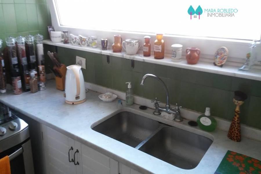 Pinamar,Buenos Aires,Argentina,2 Bedrooms Bedrooms,2 BathroomsBathrooms,Apartamentos,AV. BUNGE 17 PISO 2°,5641