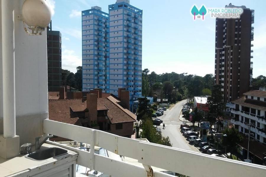 Pinamar,Buenos Aires,Argentina,3 Bedrooms Bedrooms,2 BathroomsBathrooms,Apartamentos,AV. BUNGE 17 PISO 3°,5642