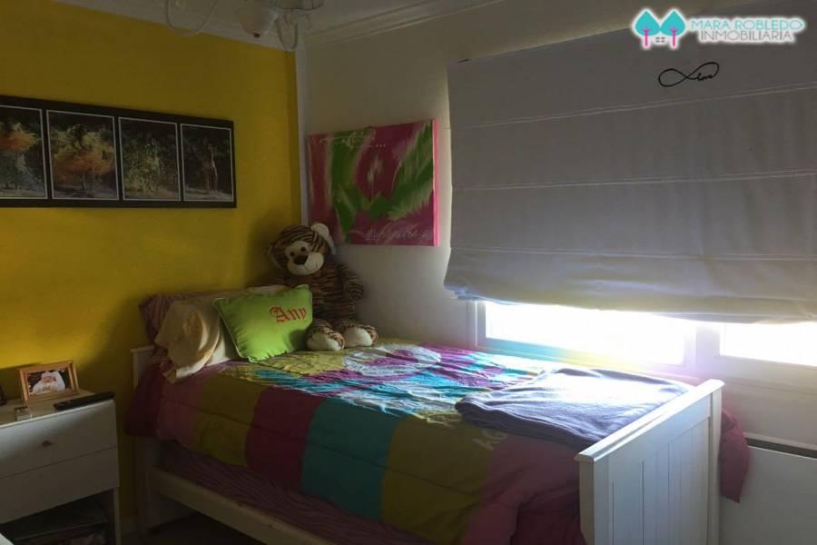 Pinamar,Buenos Aires,Argentina,3 Bedrooms Bedrooms,2 BathroomsBathrooms,Apartamentos,BUNGE 520 4° P DPTO B,5646