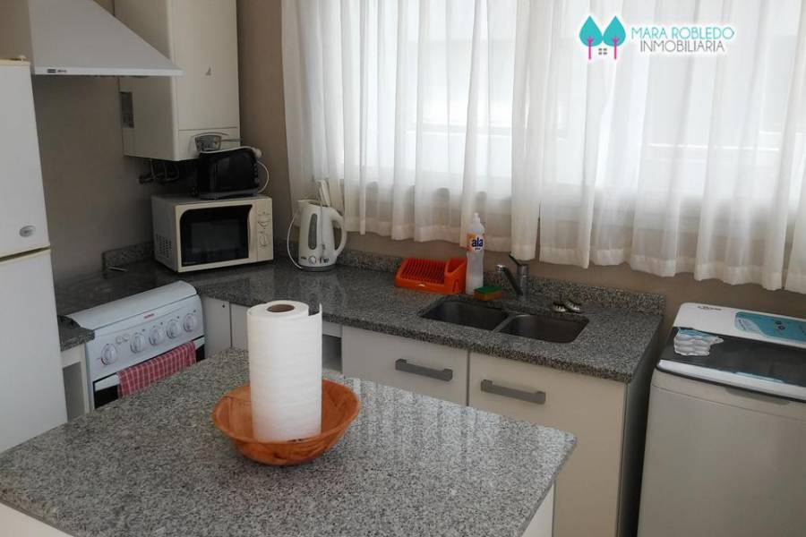 Pinamar,Buenos Aires,Argentina,2 Bedrooms Bedrooms,2 BathroomsBathrooms,Apartamentos,CARACOL ,5653